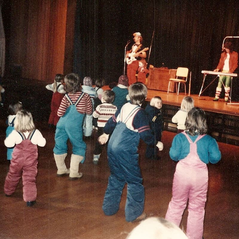 1985 Ski school hoedown